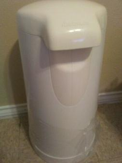 Munchkin Step Diaper Pail Powered by Arm & Hammer brand new